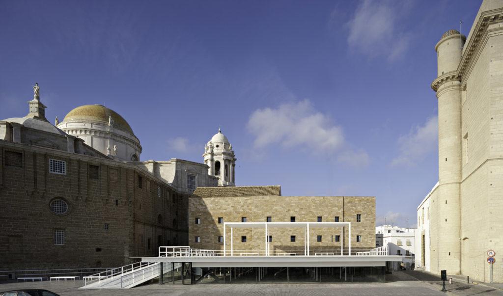 La imagen tiene un atributo ALT vacío; su nombre de archivo es Between-Cathedrals-Cadiz-2009-©-Javier-Callejas-1024x603.jpg