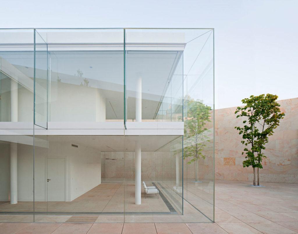 La imagen tiene un atributo ALT vacío; su nombre de archivo es BigMat-International-Architecture-Award-15-Grand-Prize-Office-building-in-Zamora-Spain-Campo-Baeza-Architecture-Studio-©-Javier-Callejas-1024x805.jpg