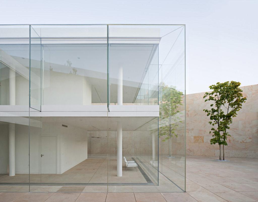 La imagen tiene un atributo ALT vacío; su nombre de archivo es Office-building-in-Zamora-2011-©-Javier-Callejas-1024x805.jpg