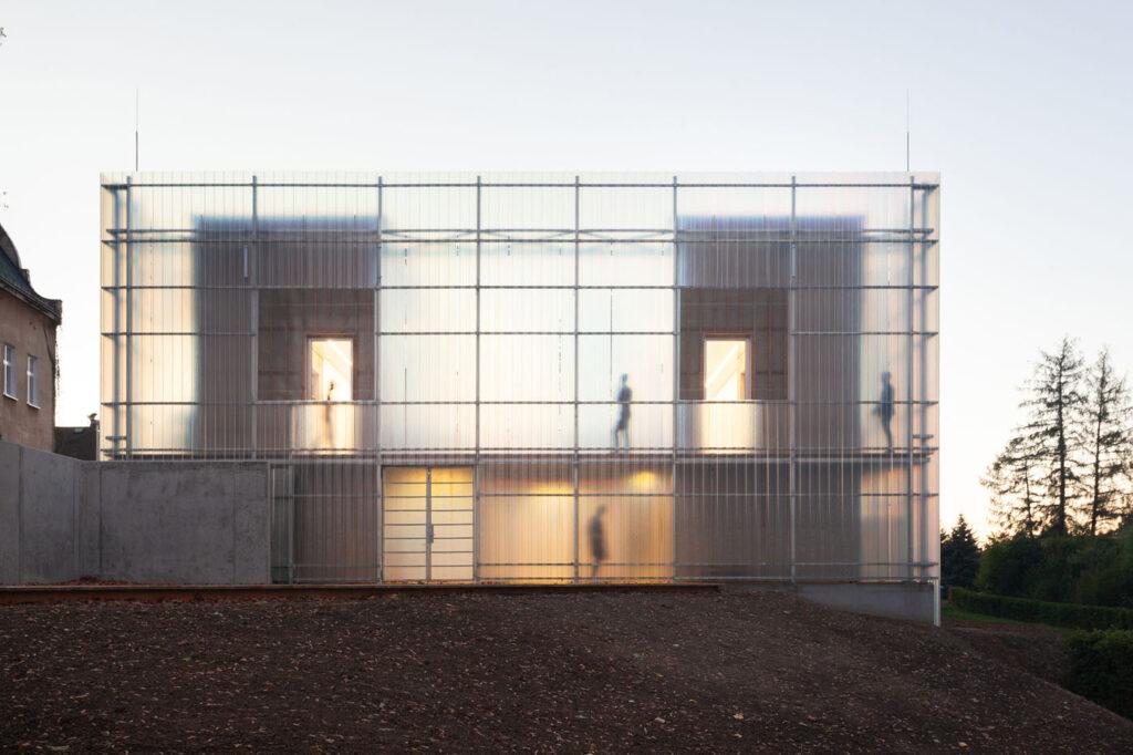 La imagen tiene un atributo ALT vacío; su nombre de archivo es Stolin_Architects_Kindergarden_-_photo_Alex_shoots_buildings-29-1024x682.jpg